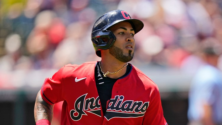 Eddie Rosario traded to Atlanta Braves from Cleveland Indians