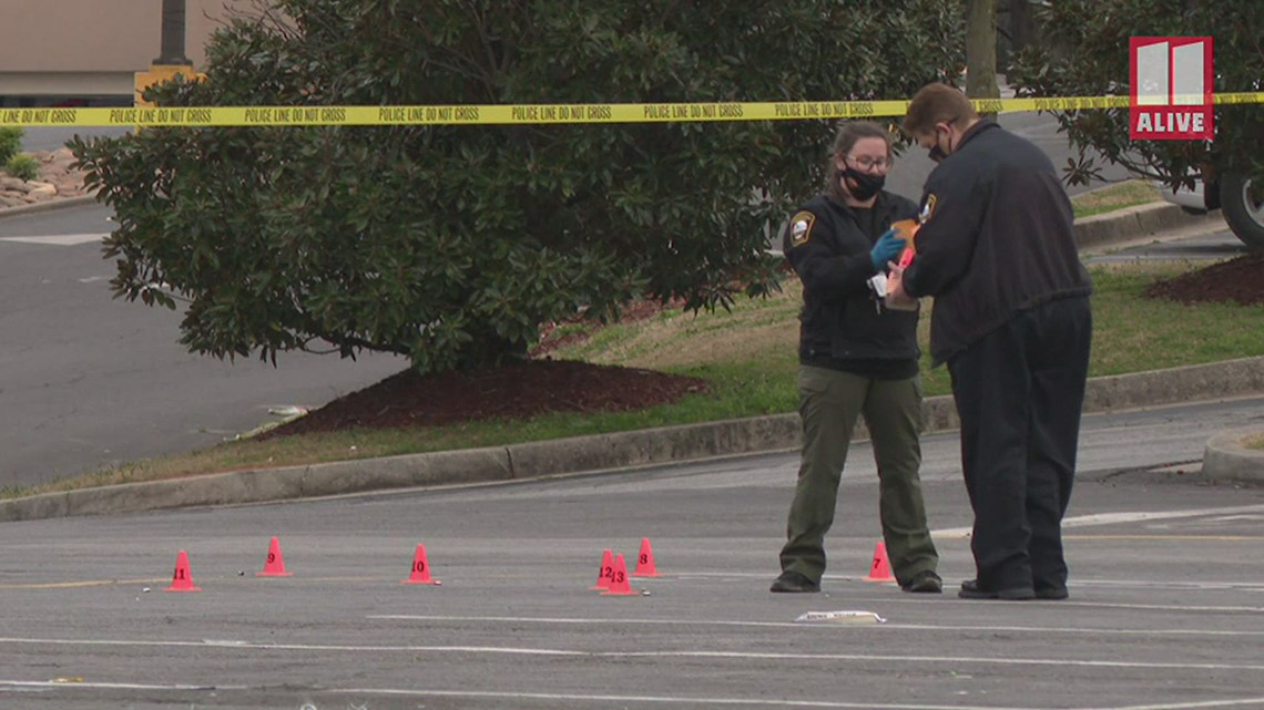 3 people shot in parking lot outside bar in Brookhaven, police said